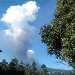 Gunung Tangkuban Parahu Jawa Barat Erupsi (Foto.Red)
